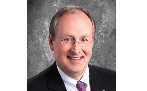 Fayette Superintendent Barrow gets educators' award