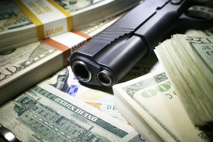 Fayetteville robber nabbed after car crash