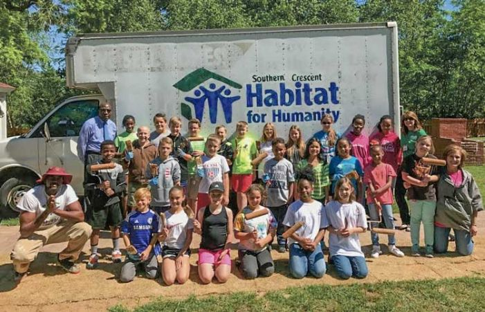 Inman Beta Club helps on Habitat project