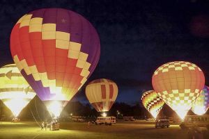 news_062117_balloons-aglow_color