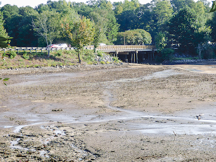 Lake Peachtree begins to drain again for spillway work