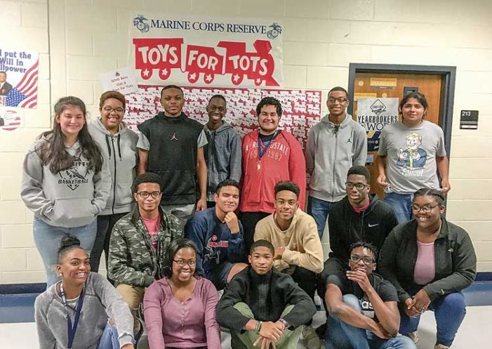 Sandy Creek HS Beta Club helps out with Toys for Tots