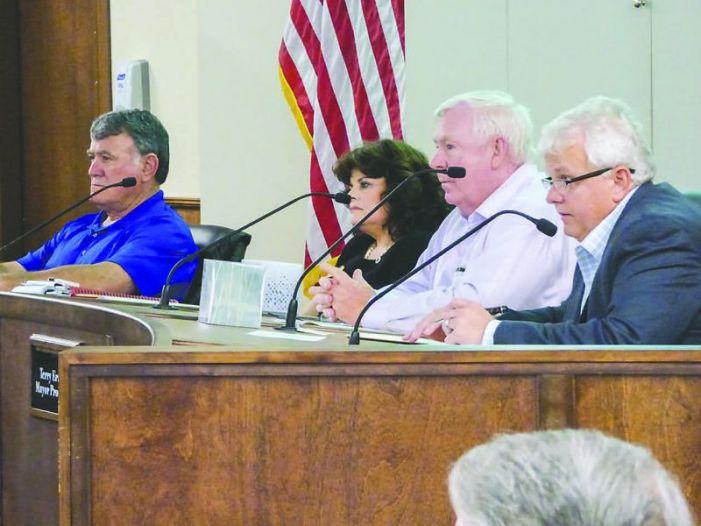 Peachtree City talks trash