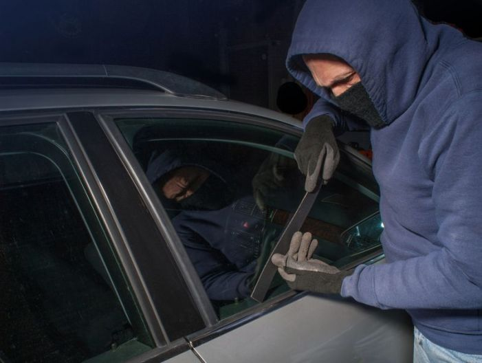Holiday season brings out more entering auto thefts