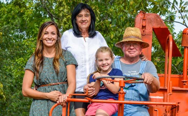 news_09-14-16_Inman-Farm-Days-2016-Minter-family-pic