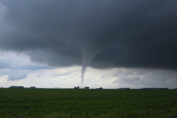 Tornado twists through Sharpsburg